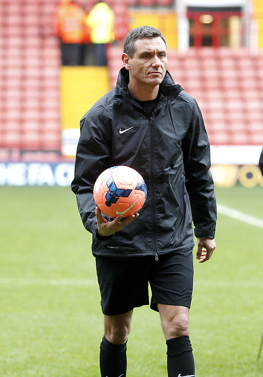 Ref Andre Marriner leaves the pitch after his inspection to declare the pitch fit for play<br /><br />Photo by Mick Walker/CameraSport<br /><br />Football - FA Challenge Cup Fourth Round - Sheffield United v Fulham - Sunday 26th January 2014 - Bramall Lane - Sheffield<br /><br /> &copy; CameraSport - 43 Linden Ave. Countesthorpe. Leicester. England. LE8 5PG - Tel: +44 (0) 116 277 4147 - admin@camerasport.com - www.camerasport.com