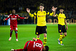 10.11.2018, Signal Iduna Park, Dortmund, GER, 1.FBL, Borussia Dortmund vs FC Bayern M&uuml;nchen, DFL REGULATIONS PROHIBIT ANY USE OF PHOTOGRAPHS AS IMAGE SEQUENCES AND/OR QUASI-VIDEO<br /> <br /> im Bild | picture shows:<br /> Javi Martinez (Bayern #8), mit Lukasz Piszczek (Borussia Dortmund #26), liegt verletzt am Boden,<br /> <br /> Foto &copy; nordphoto / Rauch