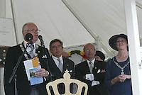 Kaatsen 150 jarige PC Franeker 30 juli 2003<br />Commissie in de Witte PC Tent tijdens de prijsuitreiking.