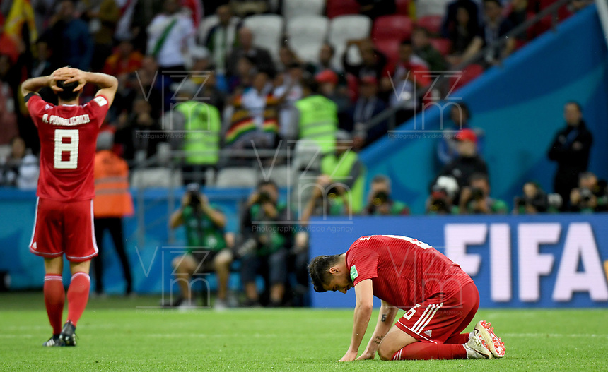 KAZAN - RUSIA, 20-06-2018: Jugadores de RI de Irán lucen decepcionados después del partido de la primera fase, Grupo B, entre RI de Irán y España por la Copa Mundial de la FIFA Rusia 2018 jugado en el estadio Kazan Arena en Kazán, Rusia. / Players of IR Iran look disappointed after the match between IR Iran and Spain of the first phase, Group B, for the FIFA World Cup Russia 2018 played at Kazan Arena stadium in Kazan, Russia. Photo: VizzorImage / Julian Medina / Cont