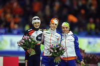 SCHAATSEN: HEERENVEEN: IJsstadion Thialf, 12-01-2013, Seizoen 2012-2013, Essent ISU EK allround, podium 3000m Ladies, Martina Sáblíková (CZE), Ireen Wüst (NED), Linda de Vries (NED), ©foto Martin de Jong