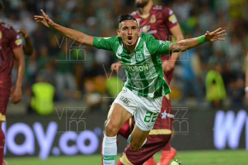 MEDELLIN - COLOMBIA, 29-09-2019: Daniel Muñoz del Nacional celebra después de anotar el primer gol de su equipo partido por la fecha 13 de la Liga Águila II 2019 entre Atlético Nacional y Deportes Tolima jugado en el estadio Atanasio Girardot de la ciudad de Medellín. / Daniel Muñoz of Nacional celebrates after scoring the first goal of his team during match for the date 13 as part of Aguila League II 2019 between Atletico Nacional and Deportes Tolima played at Atanasio Girardot stadium in Medellín city. Photo: VizzorImage / Leon Monsalve / Cont