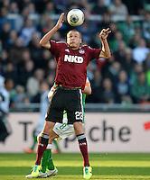 FUSSBALL   1. BUNDESLIGA   SAISON 2013/2014   7. SPIELTAG SV Werder Bremen - 1. FC Nuernberg                    29.09.2013 Adam Hlousek (1. FC Nuernberg) Einzelaktion am Ball