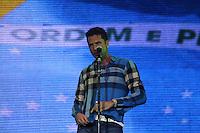 RIO DE JANEIRO, RJ, 01 DE JANEIRO 2012 - REVEILLON PRAIA DE COPACABANA - Apresentacao cantor Latino durante show da Virada na praia de Copacabana no Rio de Janeiro. (FOTO: MILENE CARDOSO - NEWS FREE).