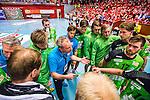 Eskilstuna 2014-05-12 Handboll SM-semifinal 3 Eskilstuna Guif - Alings&aring;s HK :  <br /> Alings&aring;s assisterande tr&auml;nare Dennis Sandberg reagerar under en timeout med med nest&auml;mda Alings&aring;s spelare<br /> (Foto: Kenta J&ouml;nsson) Nyckelord:  Eskilstuna Guif Sporthallen Alings&aring;s AHK SM Semifinal Semi tr&auml;nare manager coach depp besviken besvikelse sorg ledsen deppig nedst&auml;md uppgiven sad disappointment disappointed dejected