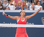 Roberta Vinci (ITA) defeats Serena Williams (USA) 2-6, 6-4, 6-4