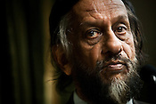 Rajendra Kumar Pachauri, Chairman of the Intergovernmental Panel on Climate Change (IPCC) and the Director General of TERI, speaks to journalists at a press conference in New Delhi, India. Photo: Sanjit Das