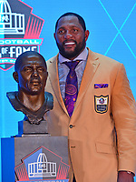 Canton, OH - August 4, 2018: Romer Baltimore Ravens linebacker Ray Lewis poses with his bust after giving his speech at the Pro Football Hall of Fame in Canton, Ohio August 4, 2018.  (Photo by Don Baxter/Media Images International)