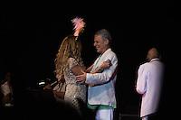 SÃO PAULO - SP. 15.02.2017 - SHOW-SP.  Elba Ramalho e Chico Buarque durante Show de Verão da Mangueira, nesta quarta-feira, 15, no Tom Brasil, zona sul de São Paulo. (Foto: Ciça Neder / Brazil Photo Press)