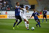 Aymen Barkok (Eintracht Frankfurt) gegen Robert Schick (FSV Frankfurt) - 06.08.2017: Eintracht Frankfurt vs. FSV Frankfurt, Saisoneröffnung, Commerzbank Arena