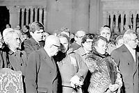 27 dicembre 1984, Piazza Maggiore a Bologna: funerali delle vittime della strage del Rapido 904 nota come strage di Natale. Il presidente Sandro Pertini e Nilde Iotti, alle spalle Pierferdinando Casini.<br /> December 27, 1984, Piazza Maggiore in Bologna: funeral of the victims of the Rapido 904 massacre known as Christmas massacre.