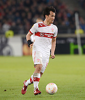 FUSSBALL   INTERNATIONAL   UEFA EUROPA LEAGUE   SAISON 2012/2013    Achtelfinale Hinspiel VfB Stuttgart - Lazio Rom      07.03.2013 Shinji Okazaki (VfB Stuttgart) am Ball