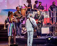 SAO PAULO, SP, 01.06.2018 - SHOW-SP - Os cantores brasileiros Ivete Sangalo e Gilberto Gil durante show no Estadio no Allianz Parque na regiao oeste da cidade de Sao Paulo nesta sexta-feira, 01. (Foto: Bruna Grassi/Brazil Photo Press)