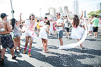 SÃO PAULO,SP, 30.01.2016 - CARNAVAL-SP - Foliões se divertem no bloco Casa Comigo na Avenida Faria Lima, zona oeste da cidade  de São Paulo, SP, neste sábado (30). (Foto:Rogério Gomes/Brazil Photo Press/Folhapress)