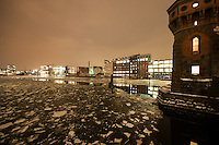 Walk from Mitte through to Treptow along the Spree one very cold winters afternoon.<br /> Oberbaumbr&uuml;cke