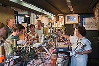Europe/France/Aquitaine/24/Dordogne/Sarlat: Foie Gras Huberte Albié sous  la halle au marché couvert