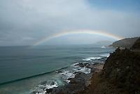 Regenboog boven southern ocean, Australie