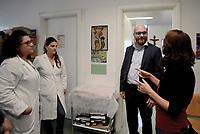 Roma 10 Ottobre 2018<br /> Il Ministro per la Famiglia e le disabilit&agrave;, Lorenzo Fontana visita il centro di Medicina Solidale in Via Aspertini nel quartiere periferico Tor Bella Monaca, che assiste famiglie fragili  delle quali molte migranti, e le persone in stato di disagio negli ambulatori di strada