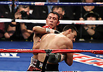 "2-2-Robert ""El Fantasma"" Guerrero (28-1-1, 18 KOs) venció por decisión unánime a Vicente Escobedo (22-3, 14 KOs) tras diez asaltos."