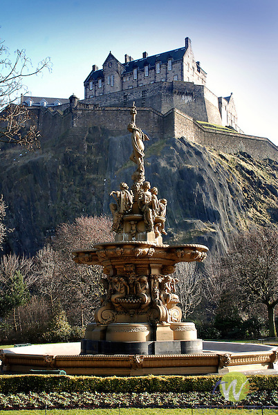 Princess Street Gardens with fountain and Edinburgh Castle.