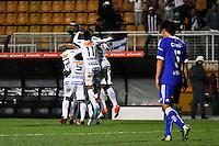 ATENÇÃO EDITOR: FOTO EMBARGADA PARA VEÍCULOS INTERNACIONAIS SÃO PAULO,SP,26 SETEMBRO 2012 - FINAL RECOPA SUDAMERICANA - SANTOS (bra) x UNIVERSIDAD DE CHILE (chi) - Jogadores do Santos comemoram gol durante partida Santos x Universidad de Chile  válido pela final da Recopa Sudameircana no Estádio Paulo Machado de Carvalho (Pacaembu), na região oeste da capital paulista na noite desta quarta feira (26).(FOTO: ALE VIANNA -BRAZIL PHOTO PRESS).