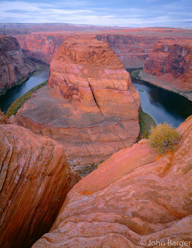 AZNE_10 -    Horseshoe Bend on the Colorado River, near Page, Glen Canyon National Recreation Area, northeast Arizona, USA --- (4x5 inch original, File size: 6000x7718, 132mb uncompressed)