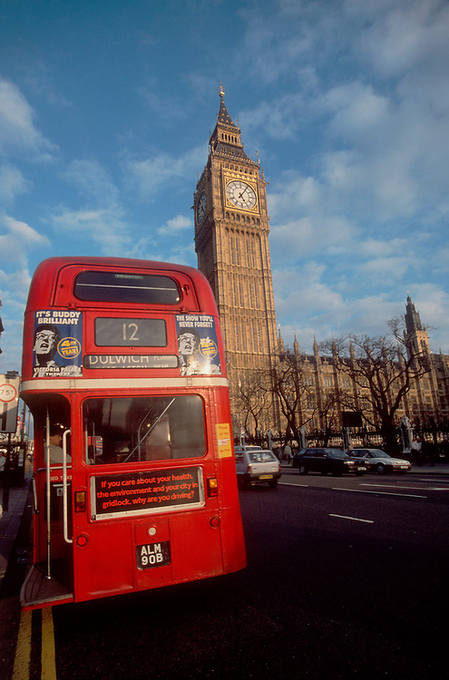 London, England, A two decker bus takes passengers in front of Big Ben and the British parliment building, the United Kingdom, British Isles, Europe, Common Market,