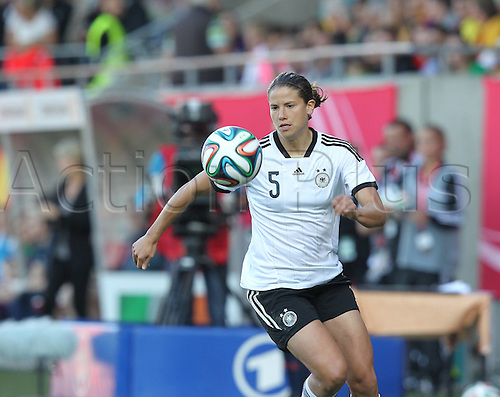 17.09.2014. Heidenheim, Germany. Womens World Cup football qualifier. Germany versus Republic of Ireland.  Annike Krahn (ger)