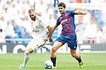Real Madrid's Karim Benzema (l) and Levante UD's Gonzalo Melero during La Liga match. September 14,2019. (ALTERPHOTOS/Acero)