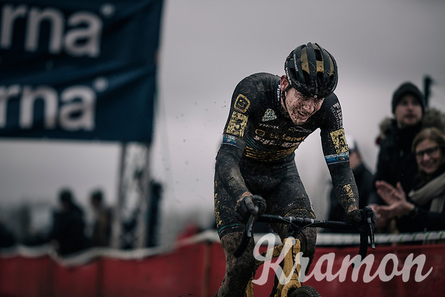 Toon Aerts (BEL/Telenet Fidea Lions) turning into the final lap after having catched AND dropped (!) Wout Van Aert.<br /> <br /> Elite Men's Race<br /> Belgian National CX Championschips<br /> Kruibeke 2019