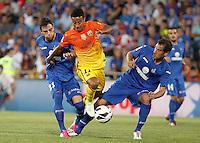 GETAFE, ESPANHA, 15 SETEMBRO 2012 - CAMP. ESPANHOL - GETAFE X BARCELONA - Thiago Alcantara  (C) jogador do Barcelona durante lance de partida contra o Getafe em jogo valido pela 4 rodada do campeonato espanhol em Getafe na Espanha, neste sabado. O Barcelona venceu por 4 a 1 e se mantem na lideranca. (FOTO: ALFAQUI / BRAZIL PHOTO PRESS).