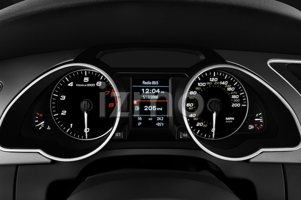 Instrument panel close up detail view of a 2007 - 2011 Audi S5 Coupe.