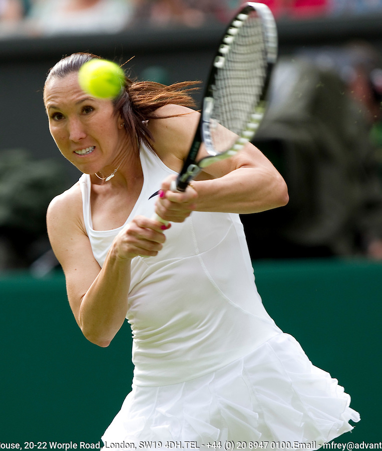 Jelena Jankovic (SRB) (4) against Laura Robson (GBR) in the first round of the ladies singles. Jelena Jankovic beat Laura Robson 6-3 7-6..Tennis - Wimbledon Lawn Tennis Championships - Day 1 Mon 21 Jun 2010 -  All England Lawn Tennis and Croquet Club - Wimbledon - London - England..© FREY - AMN IMAGES  Level 1, Barry House, 20-22 Worple Road, London, SW19 4DH.TEL - +44 (0) 20 8947 0100.Email - mfrey@advantagemedianet.com.www.advantagemedianet.com