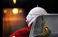 Immaculate Conception Benedict XVI visit the statue of Mary of the et Spanish Square Rome Dec 8,2012
