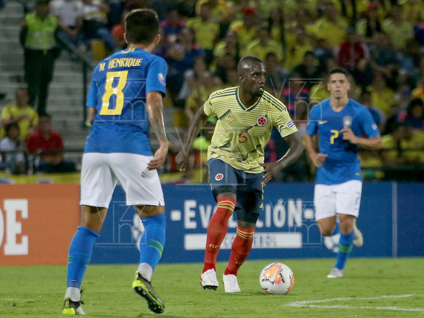 BUCARAMANGA – COLOMBIA, 03-02-2020: Kevin Balanta de Colombia en acción durante partido entre Colombia U-23 y Brasil U-23 por el cuadrangular final como parte del torneo CONMEBOL Preolímpico Colombia 2020 jugado en el estadio Alfonso Lopez en Bucaramanga, Colombia. / Kevin Balanta  of Colombia in action during the match between Colombia U-23 and Brazil U-23 for for the final quadrangular as part of CONMEBOL Pre-Olympic Tournament Colombia 2020 played at Alfonso Lopez stadium in Bucaramanga, Colombia. Photo: VizzorImage / Jaime Moreno / Cont