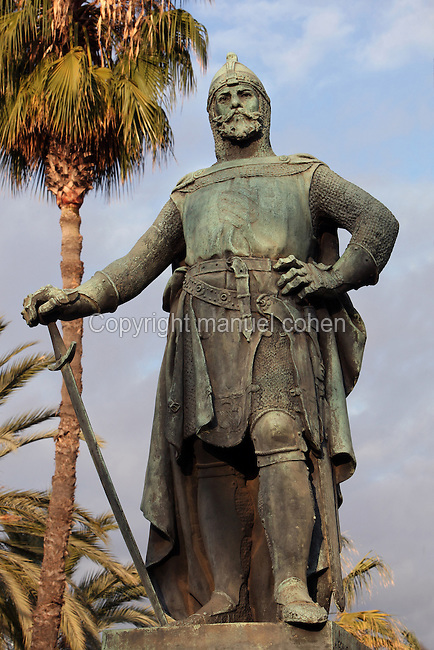 Roger of Lauria (Roger de Lluria - 1245 - 1305) Sicilian-Aragonese admiral, commander of the fleet of Aragon during the War of the Sicilian Vespers, bronze statue, 1884, by Josep Reynes i Gurgui, Passeig de Lluis Companys with Passeig de Pujades, Barcelona, Spain. Picture by Manuel Cohen