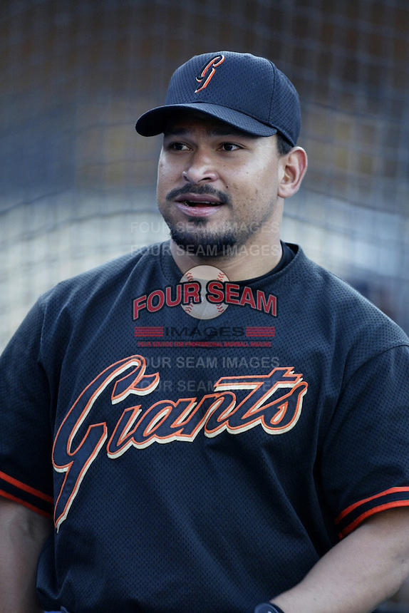 Marvin Benard of the San Francisco Giants before a 2002 MLB season game against the Los Angeles Dodgers at Dodger Stadium, in Los Angeles, California. (Larry Goren/Four Seam Images)