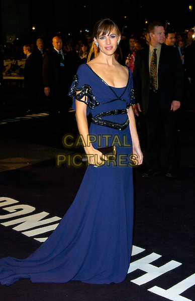 "JENNIFER GARNER.""The Kingdom"" - UK film premiere, Odeon West End, London, England. .October 4th, 2007 .full length purple dress black sequins sequined detail clutch bag purse  blue.CAP/CAN.©Can Nguyen/Capital Pictures"