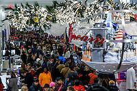 People crowed Mancy's Herald Square store during Black friday promotions in New York.  10.28.2014. Eduardo Munoz Alvarez/VIEWpress