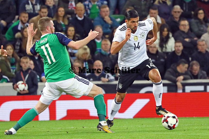 Emre Can (Deutschland Germany) gegen Chris Brunt (Nordirland, Northern Ireland) - 05.10.2017: Nordirland vs. Deutschland, WM-Qualifikation Spiel 9, Windsor Park Belfast