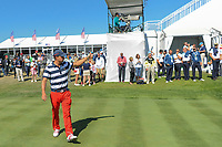 Kevin Kisner (USA) gives a thumbs up to the crowd on the first tee as he walks to the driving range to warm up during round 4 Singles of the 2017 President's Cup, Liberty National Golf Club, Jersey City, New Jersey, USA. 10/1/2017. <br /> Picture: Golffile | Ken Murray<br /> <br /> All photo usage must carry mandatory copyright credit (&copy; Golffile | Ken Murray)