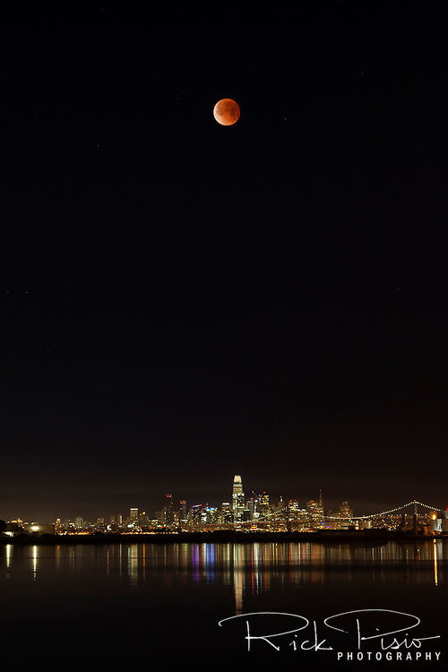 Super Blue Moon Lunar Eclipse over San Francisco on the morning of Jan 31, 2018.