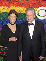 NEW YORK, NEW YORK - JUNE 09: Warren Beatty, Annette Bening attend the 73rd Annual Tony Awards at Radio City Music Hall on June 09, 2019 in New York City. <br /> CAP/MPI/IS/JS<br /> ©JSIS/MPI/Capital Pictures