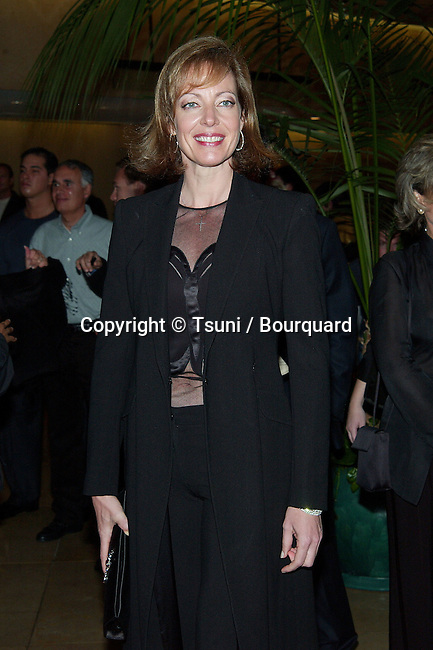 Allison Janney (WestWing) arriving at the 5th Annual Lili Claire Foundation Benefit helping kids Fly Higher  at the Beverly Hilton in Los Angeles. October 29, 2002.            -            JanneyAllison_WestWing33.jpg