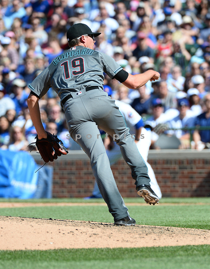 Arizona Diamondbacks Tyler Clippard (19) during a game against the Chicago Cubs on June 5, 2016 at Wrigley Field in Chicago, IL. The Diamondbacks beat the Cubs 3-2.