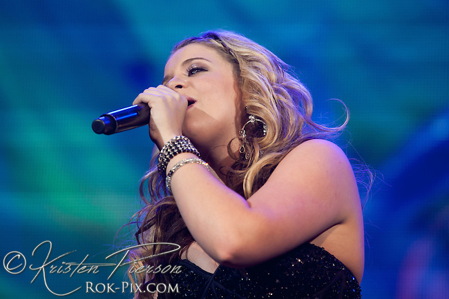 American Idols Live Tour performs at Mohegan Sun Arena on September 3, 2011