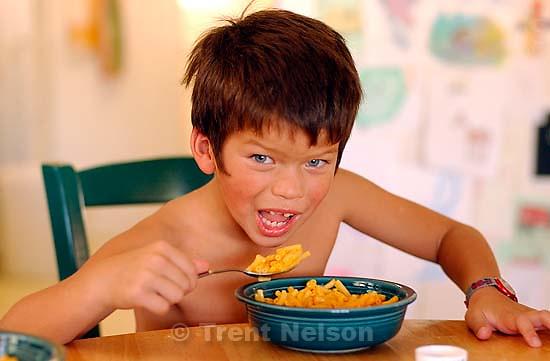 Ed Zambrano eating maccaroni. 09/22/2001, 11:53:29 AM<br />