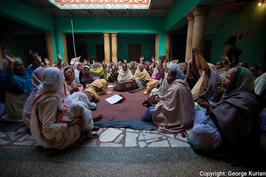 In Vrindavan, India, one of Hinduism's holiest cities, widows from across the country come to live out the rest of their lives in convent like ashrams, where they spend their time singing hymns to Krishna, the god of love.<br /> Some come here voluntarily, seeking solace in religion while others are abandoned by families on account of dire poverty. <br /> Expected to live a life of chaste frugality, they have no contact with their families and live out their lives in Vrindavan.<br /> Although entitled to a meagre pension from the state, many widows do not get it and are dependent on charity or begging to eke out a living.