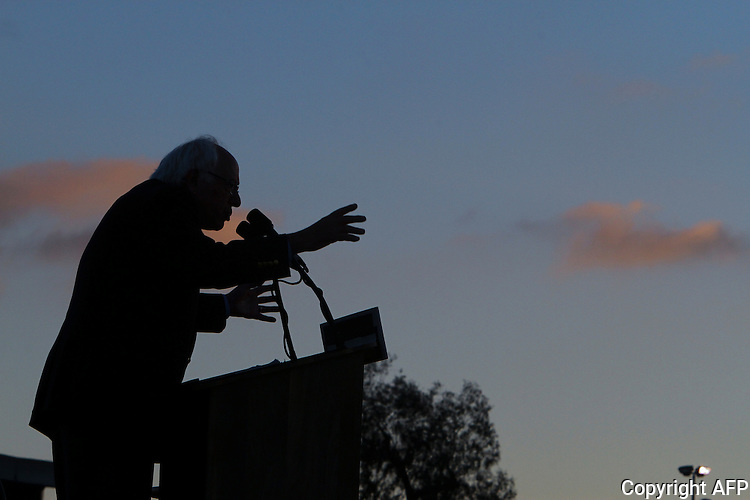 Bernie Sanders speaks during a rally  June 5, 2016 in San Diego, California.   AFP PHOTO / BILL WECHTER