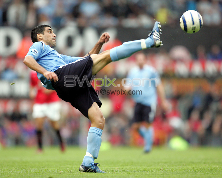 Pix by JOHN CLIFTON/SWpix.com - Manchester United v Manchester City, Football, Premiership,Old Trafford, Manchester, 10/09/05..Picture Copyright >> Simon Wilkinson >> 07811267706..Manchester City's Claudio Reyna